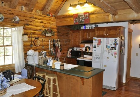 Charming Adirondack Log Cabin with Great Waterfront and
