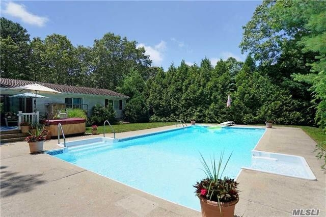 Charming Your Family Friendly Hampton Bays Vacation Home Rental   New York Rental By  Owner